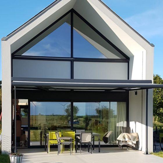 tente solaire sur une maison