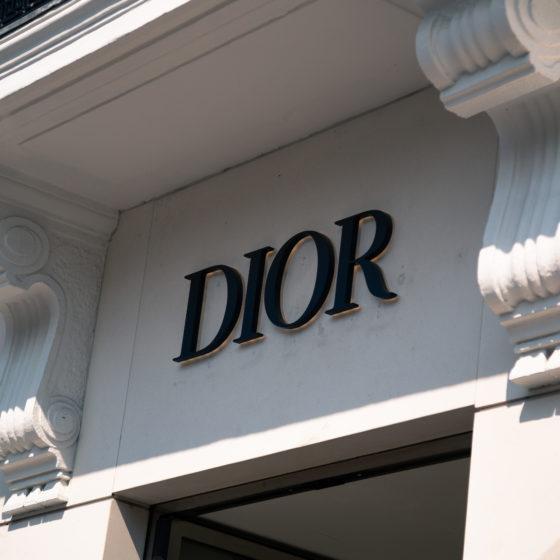 Enseignes lumineuses Dior